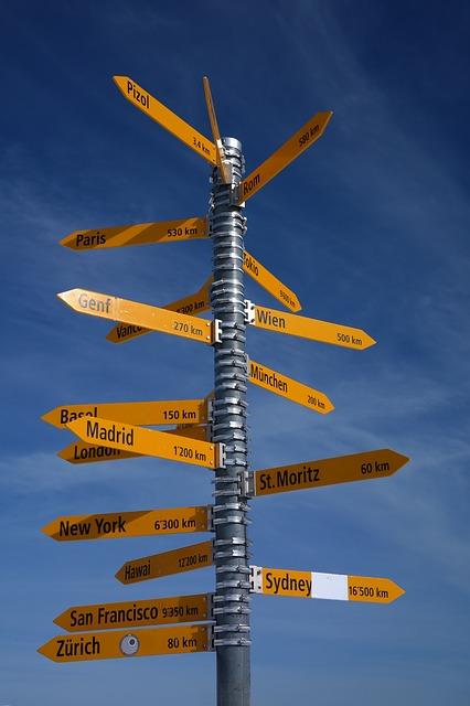 signposts-999685_640